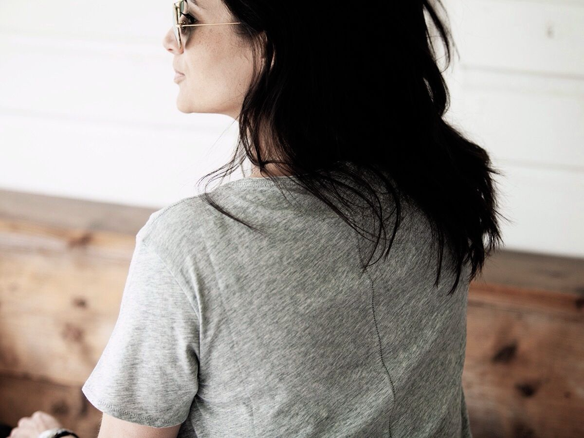 Streetstyle 2016 BlogForShops boyfriend T shirt by Rag and bone, ripped 501 Levi's Perfectlybasics.com
