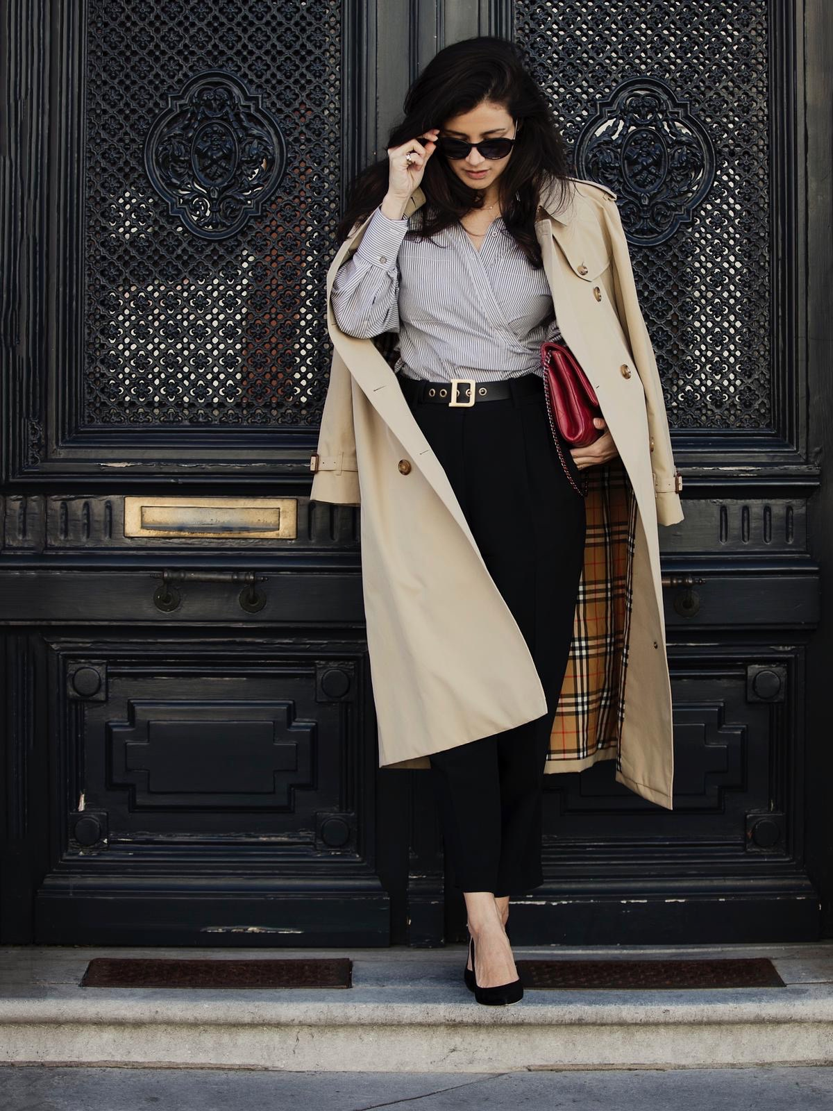 Styling Stories streetstyle look spring 2020 wearing Burberry trenchcoat Iri shirt Dior D belt Finds boutique Den Bosch pants Sergio Rossi pumps Chanel classic clutch red